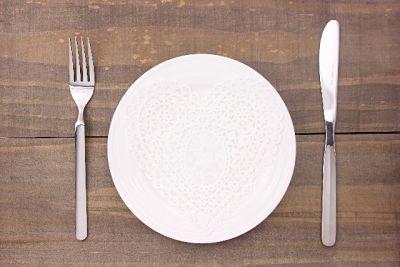 人口の魚、培養肉、藻、、、30年後にディナーを美しく飾る食材