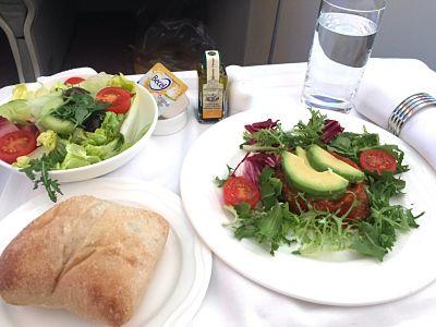 エミレーツ航空ビジネスクラスの旅でヴィーガン対応