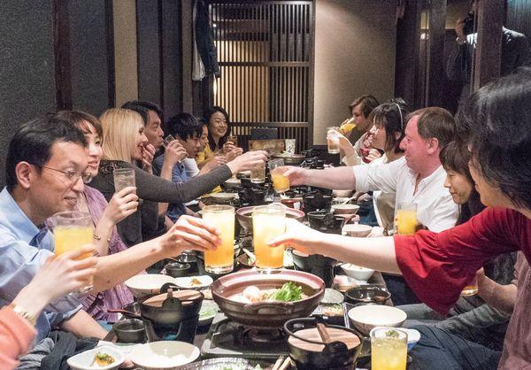 ベジプロジェクトが居酒屋チェーンにベジ導入に成功!記念のベジ会が開かれました!